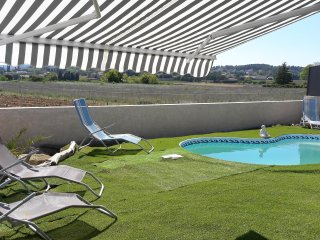 villa proche Ardeche  climatisation piscine cloturee privee parking securise