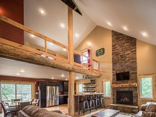 ***Private Retreat Turkey Run 5 Bed Luxury Cabin sleeps 16 minutes from Dells***