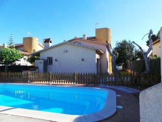 Casa Neus Bara II, wifi, jardin y piscina privada