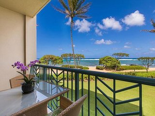 ***BEACH Front Bliss***  PRIME LOCATION  Ocean Front & FAST Wifi