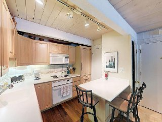 Remodeled 3BR Condo – 2 Blocks to Downtown; Near Skiing & Free Shuttle