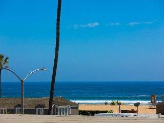 Best Rooftop Deck in NB w/ Ocean Views & Walk to Everything