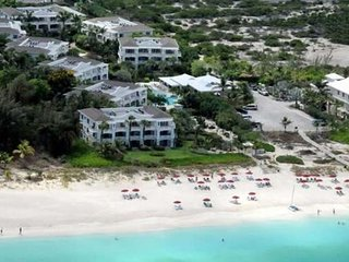 Royal West Indies  -  Superior Beachfront Suite, Grace Bay