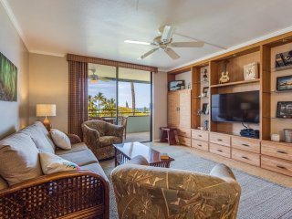 Condo at Magic Sands: Brand New Rental, Top Floor, Ocean Views and Quiet