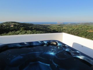 Villa Panorama private pool & stunning seaview & outdoor Jacuzzi,3bedrooms,BBQ