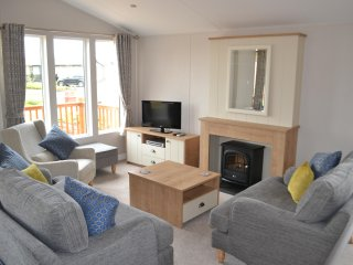 Brock Dene - Accessible Holiday Lodge - Sleeps 8, wetroom, Northumberland
