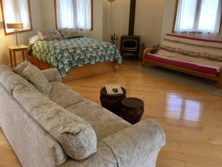 The Cottage at Grizzly Peak Winery - Sleeps 4