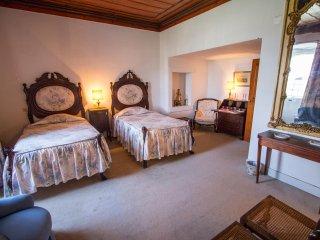 Quinta da Alcaidaria Mor - D. Maria Room