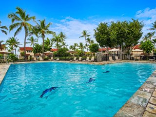 Oceanfront ground floor big condo for large groups, Keauhou