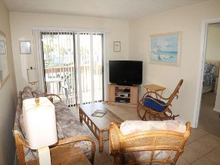 St. Augustine Ocean and Racquet 2204, Steps to the Beach, Hot Tub, Pool, Saint Augustine Beach