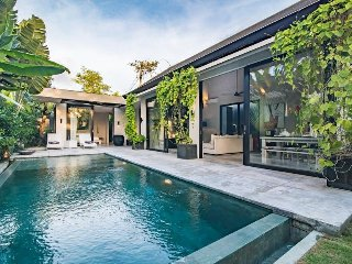 Nandi, Ultra Modern 2 Bedroom Villa, Luxury Near Seminyak