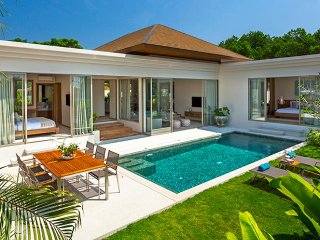 Bangtao beach Luxury Pool Villa with Jacuzzi, Bang Tao Beach