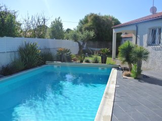 Villa 6 personnes piscine privee chauffee proximite immediate de l'ocean
