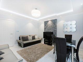 Sloane Square Rosemoor 4 Bed Apartment