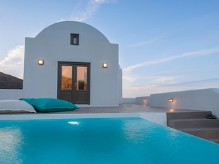 Azar Master Suite with Private Pool and Sea View