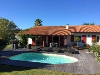 Villa Petaboure - le calme à 15 minutes de Biarritz, Bassussarry