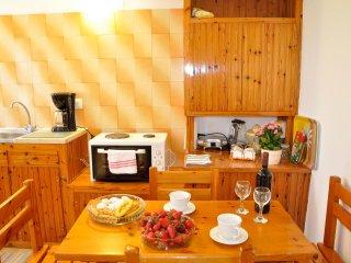 Kitchen dinning area.