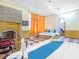 Comfy stay with a beautiful garden, close to Mall Road