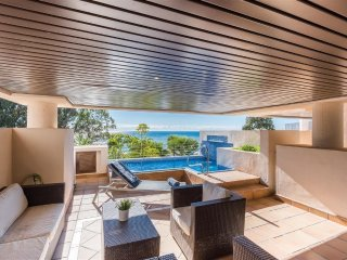 Luxury apartment with private pool on New Golden Mile/ Purobeach, Estepona.
