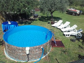 Cute apartment with garden and Pool in a peaceful Istrian village