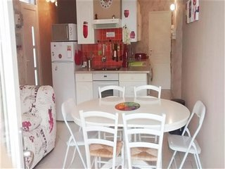 AGREABLE APPARTEMENT EN REZ DE JARDIN