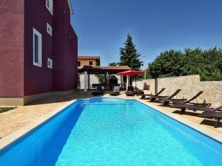Elegant villa with Pool close to Porec and Novigrad