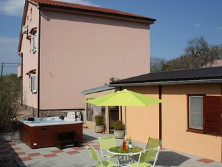 Lovely Room Milka with outdoor Kitchen area