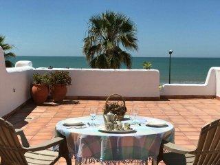 Preciosa casa en primera línea de playa. Primeras calidades, totalmente equipada