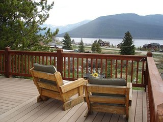 Twin Cabins: 2 Classic Colorado Cabins-Views-Fire Pits-3 Decks-Kid Friendly :), Grand Lake