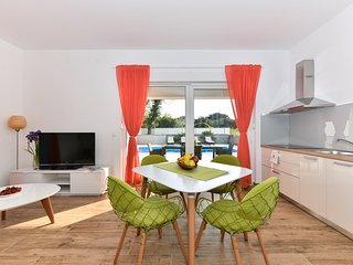 CROWONDER Harbour VIlla Apartment NORTH
