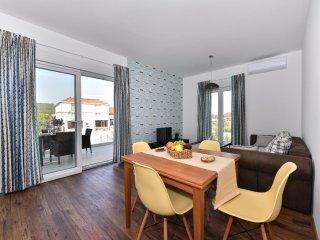 CROWONDER Harbour Villa Apartment EAST