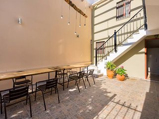 New Town Studio, Terrace, 3min to beach, Wi-Fi, AC