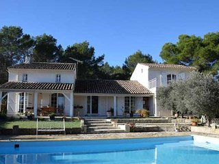 Beautiful large villa in South France for rent with pool sleeps 10-12 people, Uchaud