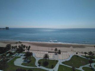 Acogedor apartamento primera línea playa