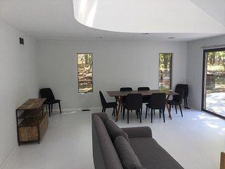 3 bedroom contemporary home in Noyac