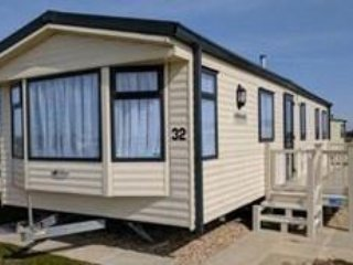 GOLDEN PALM 2 - 8 BERTH CARAVAN