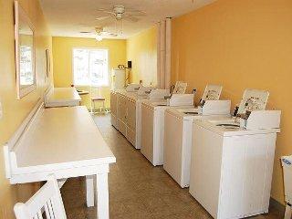 Las Palmas 204: 2 bedroom / 2 bathroom condo in Gulf Shores, Sleeps 6