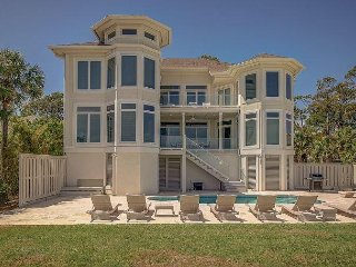 10 Curlew- Direct Oceanfront with Pool & SPA