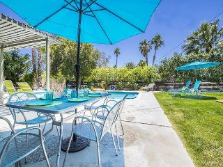 Mid Century Modern 3BR, 2BA Palm Springs Racquet Club Home w/Pool Table Room