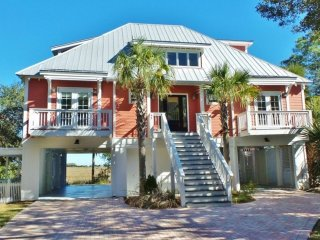 Luxury 4 BR Home in Gated Harbor Island with Amazing Panoramic Ocean/Marsh Views