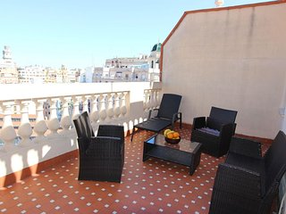 Spacious Brujas apartment in El Carmen with WiFi, airconditioning, privéterras