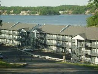 Lake Front Condo back in the Quiet Cove....$94/night til 9/10/18