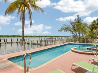 Incredible Bay Front 5 Bedroom home with private pool and dock - 134 Andre Mar