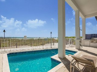 The Pearl. Gulf Front, Custom Designed Beach House with Private Pool and Top of