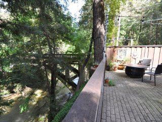 Romantic RiverView Studio WIFI Fireplace Patio OutdrFirepit 15min>Santa Cruz