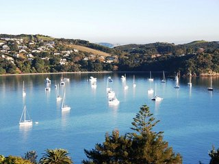 Waiheke Island - Oneroa wwith Spectacular Views