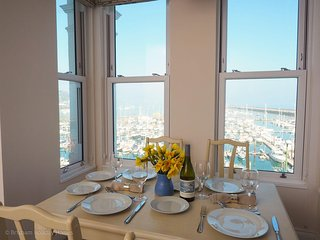 Stepaside Apartments - Poppin - Luxury 2 bedroom apartment overlooking Brixham M