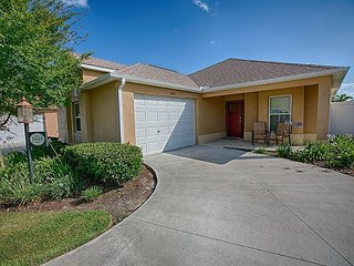 Privacy. Spacious. Close to Brownwood Paddock Square.