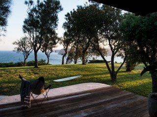Copacabana Beach House 90 minute Drive north of Sydney