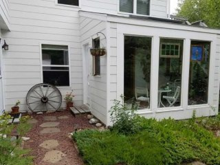 Lighthouse Retreat - sweet studio apt in Bar Harbor, short walk to Acadia NP